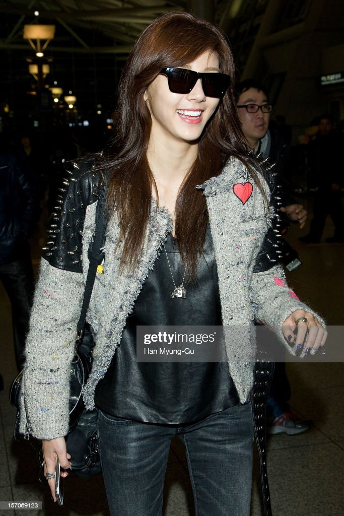 South Korean singer Son Dam-Bi is seen at Incheon International Airport on November 28, 2012 in Incheon, South Korea.