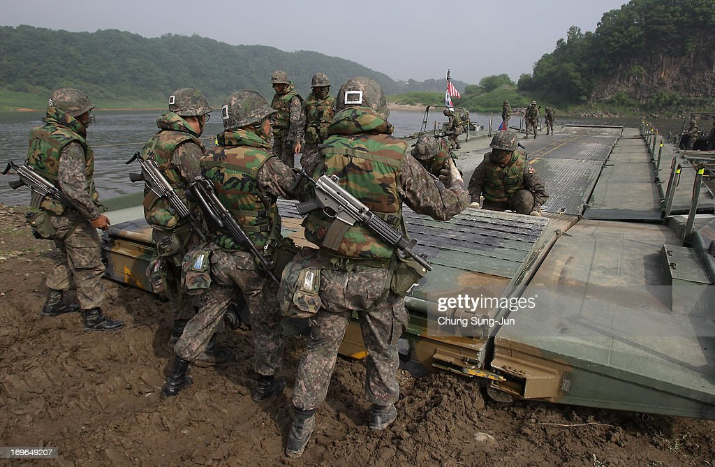 Yeoncheon-gun South Korea  City new picture : ... Yeoncheon gun, South Korea. The joint exercise is for the first time