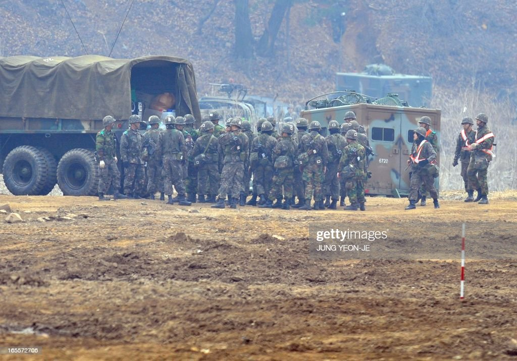 South Korean soldiers gather at a military training field in the border city of Paju on April 5, 2013. The United States said it was taking 'all necessary precautions' after North Korea rang fresh alarms in an escalating crisis by moving a medium-range missile to its east coast. AFP PHOTO / JUNG YEON-JE