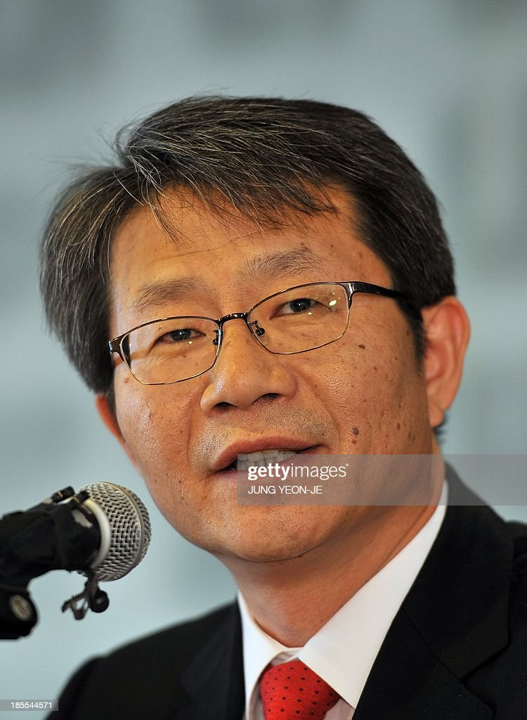 South Korean Unification Minister Ryoo Kihl-Jae speaks on North Korea issues during a press conference at Seoul Foreign Correspondent Club in Seoul on October 22, 2013. North Korea on October 21 warned of 'merciless firing' against the South if it goes ahead with a reported plan to develop shells to carry anti-Pyongyang leaflets across the border.