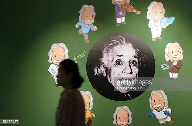 South Koreans explore an exhibition commemorating the 100th anniversary of the publication of late Germanborn physicist Albert Einstein's Theory of...