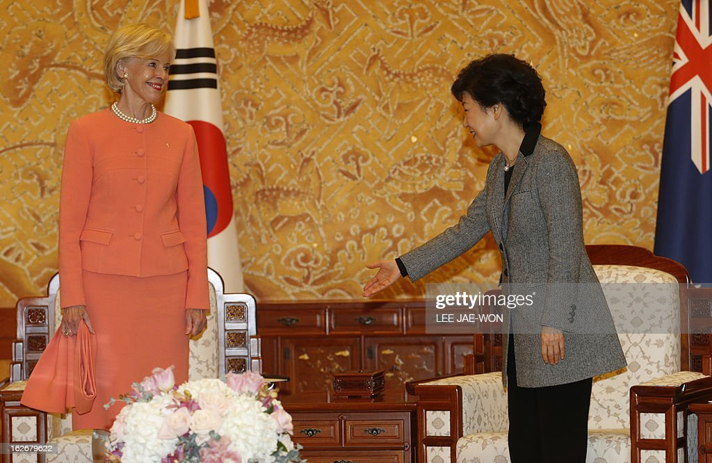 South Korea's President Park Geun-Hye (R) gestures towards Australia's Governor General Quentin Bryce before their talks at the presidential Blue House in Seoul on February 26, 2013. Park Geun-Hye became South Korea's first female president on February 25, vowing zero tolerance with North Korean provocation and demanding Pyongyang 'abandon its nuclear ambitions' immediately. AFP PHOTO / POOL / Lee Jae-Won