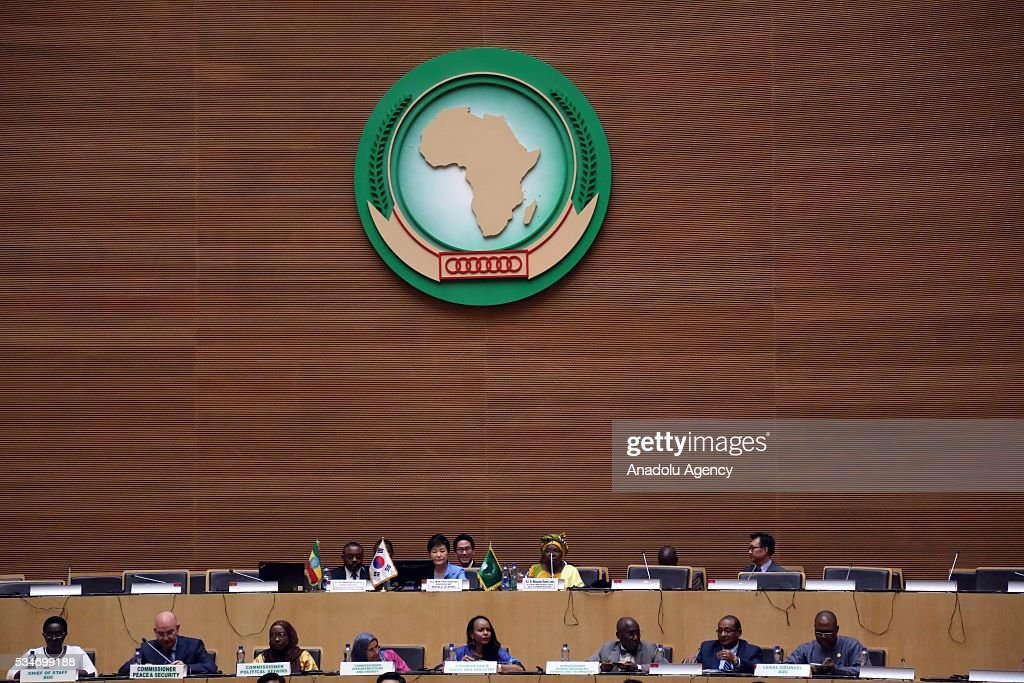 South Korea's President Park Geun-hye (rear 2nd L), Prime Minister of Ethiopia Hailemariam Desalegn (rear L) and Chairperson of the African Union Commission Nkosazana Dlamini Zuma (rear 2nd R) attend the African Union meeting in Addis Ababa, Ethiopia on May 27, 2016.