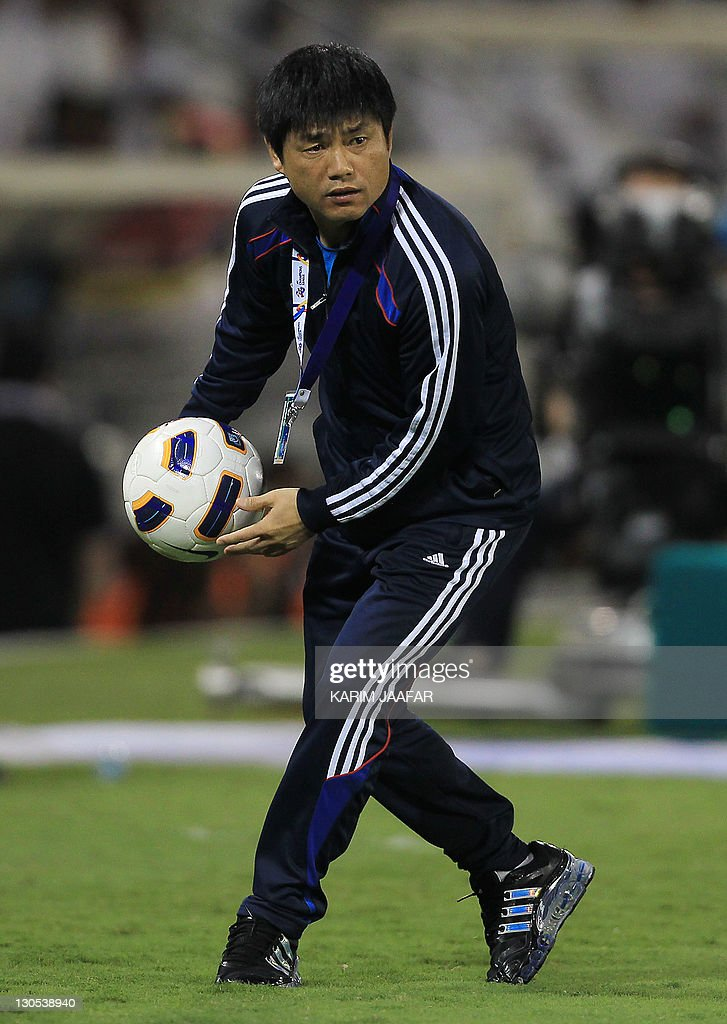 South Korea's Suwon Samsung Bluewings coach Yoon Sung-Hyo looks on during their game against Qatar Al Sadd's during their semi-final football match in the AFC Champions League in Doha, on October 26, 2011. Suwon Samsung Bluewings won the match 1-0.