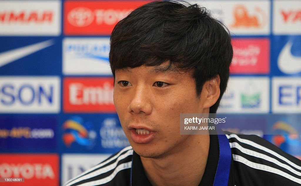 South Korea's Suwon Samsung Bluewings midfielder Yeom Ki-Hun speaks during a press conference at Al-Sadd Stadium in Doha on October 25, 2011 on the eve of his team's AFC Champions League match against Qatar's Al-Sadd.