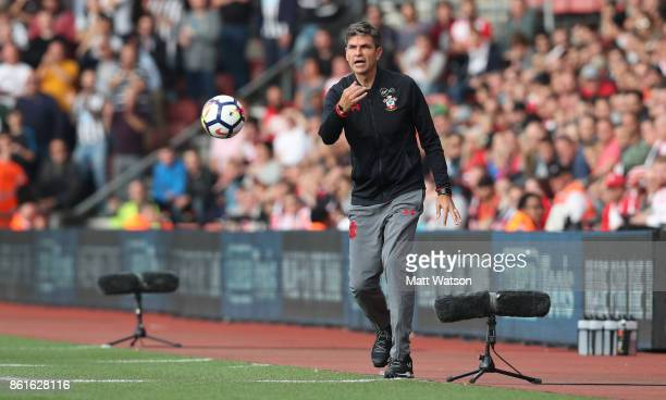 Southampton manager Mauricio Pellegrino during the Premier League match between Southampton and Newcastle United at St Mary's Stadium on October 15...