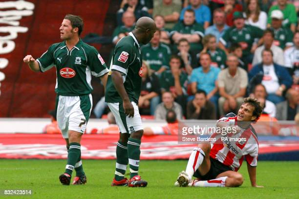 Southampton's Inigo Idiakez argues with Plymouth Argyle's Barry Hales