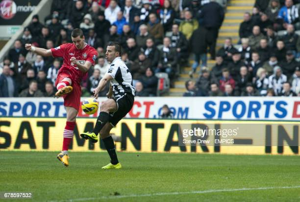 Southampton's Morgan Schneiderlin scores his sides first goal of the game