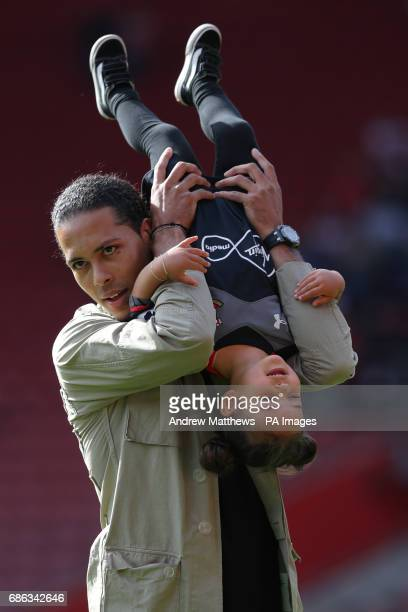 Southampton's Virgil van Dijk with daughter Nila after the final whistle during the Premier League match at St Mary's Stadium Southampton