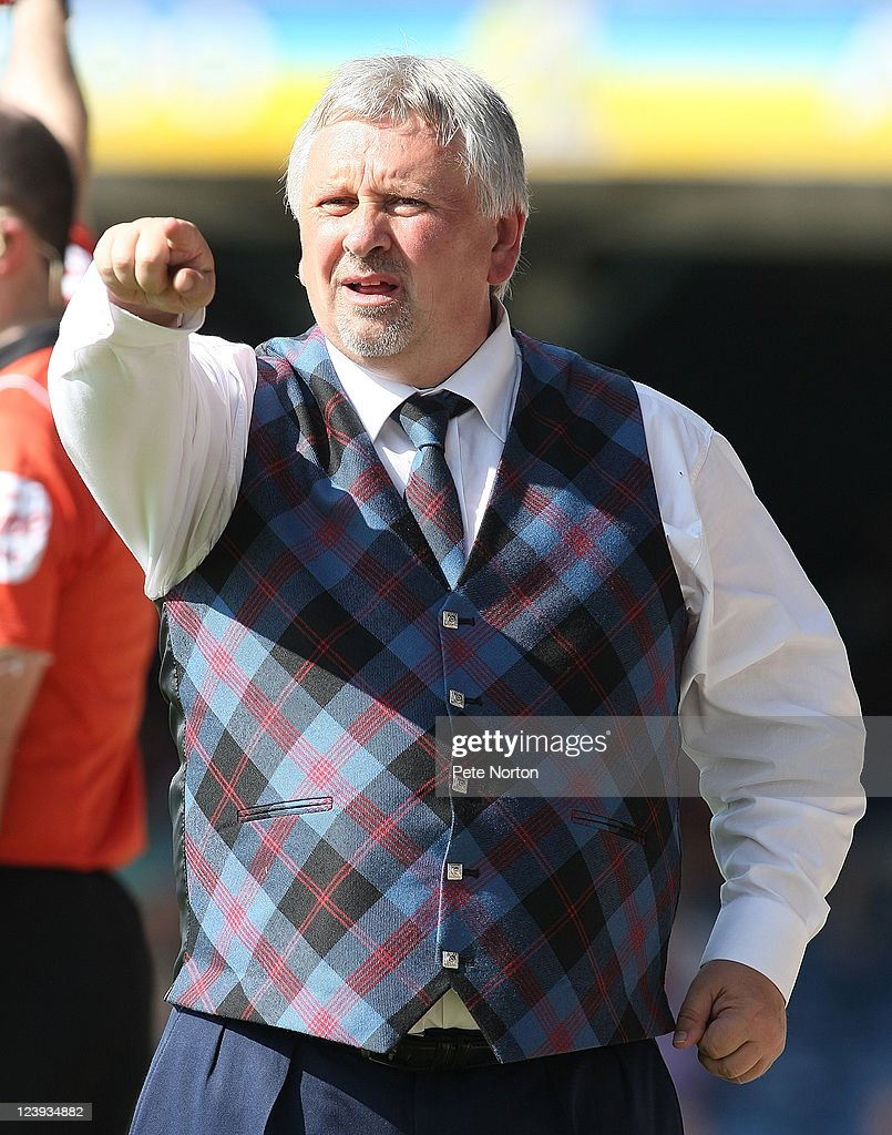 Southend United manager <a gi-track='captionPersonalityLinkClicked' href=/galleries/search?phrase=Paul+Sturrock&family=editorial&specificpeople=227206 ng-click='$event.stopPropagation()'>Paul Sturrock</a> looks on during the npower League Two match between Southend United and Northampton Town at Roots Hall on September 3, 2011 in Southend, England.