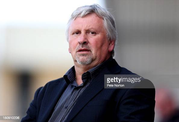 Southend United manager Paul Sturrock looks on during the npower League Two match between Northampton Town and Southend United at Sixfields Stadium...