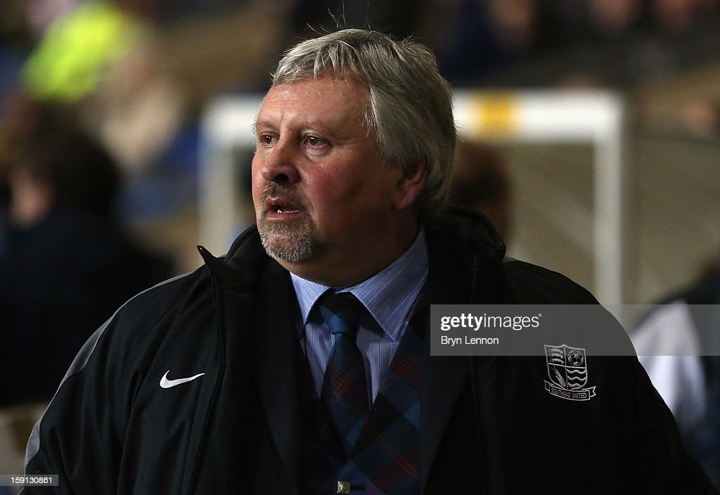 Southend United Manager <a gi-track='captionPersonalityLinkClicked' href=/galleries/search?phrase=Paul+Sturrock&family=editorial&specificpeople=227206 ng-click='$event.stopPropagation()'>Paul Sturrock</a> looks on prior to the Johnstone's Paint Trophy Southern Section Semi Final between Oxford United and Southend United at the Kassam Stadium on January 8, 2013 in Oxford, England.