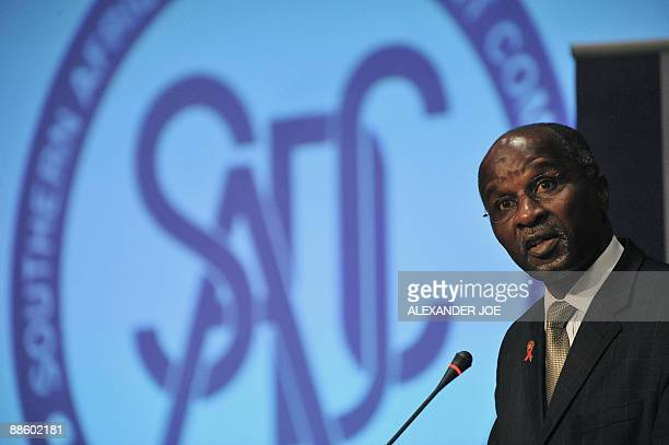 Southern African Development Community executive secretary Dr Tomaz Solomao addresses a press conference in Johannesburg on June 21 2009 at the end...