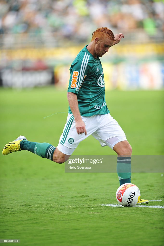 Souza of Palmeiras in action during a match between Palmeiras and UA Barbarense as part of the Paulista Championship 2013 at Pacaembu Stadium on February 24, 2013 in Sao Paulo, Brazil.