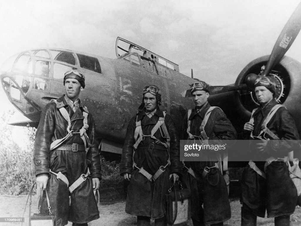 Soviet airforce night bomber crew with americanmade douglas havoc bomber world war 2 american aid lend lease program