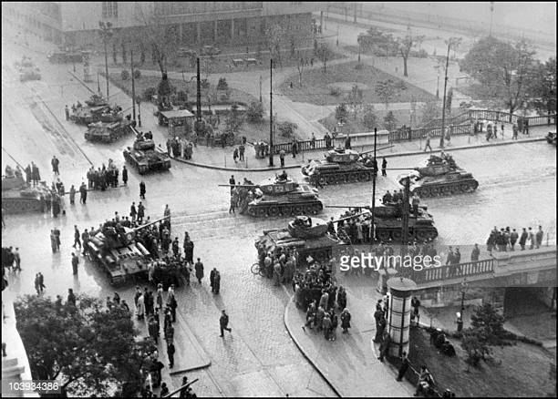 Soviet army tanks take position in Budapest 12 November 1956 The Red Army stationed in Hungary under the 1947 peace treaty attacked and seized 12...