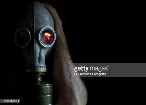 Soviet gas mask and nuclear explosion : Foto de stock