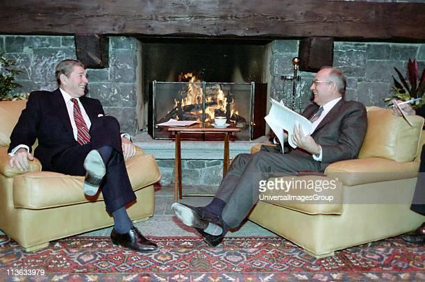 Soviet leader Mikhail Gorbachev and US President Ronald Reagan at the Geneva Summit 1986
