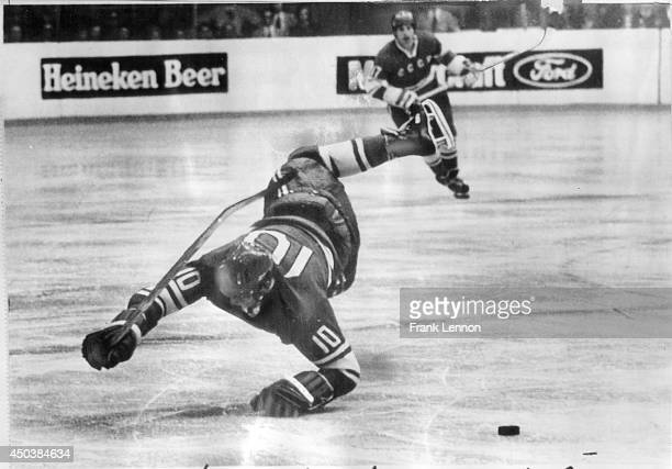 Soviet player takes a headertoo But in this case Alexander Maltsev was making a dive to stop puck Team Canada took an early 30 lead but a Soviet...