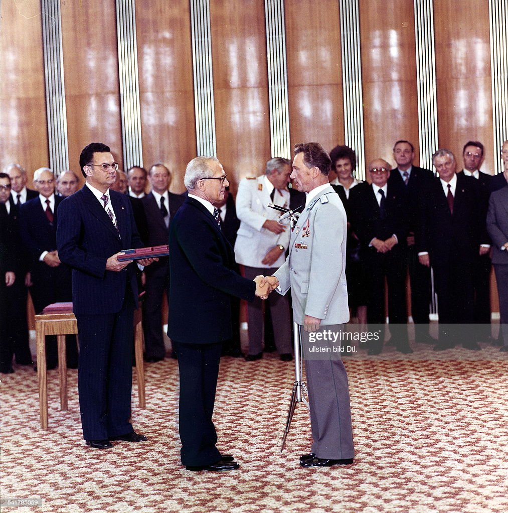 Soviet Union Spaceflight Siegmund Jaehn * Cosmonaut, GDR Jaehn (right) being awarded by GDR Head of State <a gi-track='captionPersonalityLinkClicked' href=/galleries/search?phrase=Erich+Honecker&family=editorial&specificpeople=209084 ng-click='$event.stopPropagation()'>Erich Honecker</a> after his return from a spaceflight -