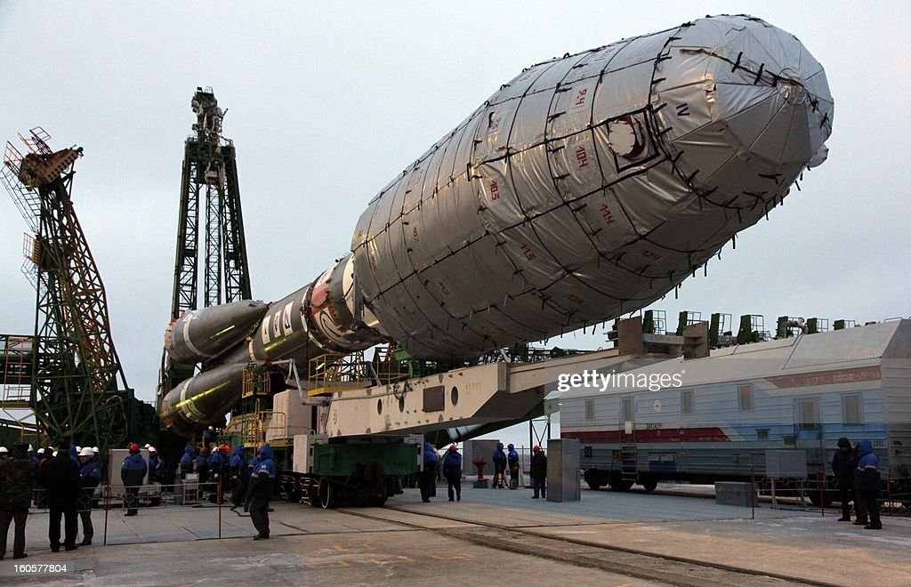 A Soyuz-2.1a rocket with a Fregat upper stage carrying six Globalstar-2 F1 satellites is mounted on the launch pad of the Russian leased Kazakhstan's Baikonur cosmodrome on February 2, 2013. The launch of the rocket is scheduled on February 5, the Russian media reported.