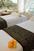 Spa beds in relaxing room