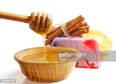 Spa setting with natural soap and sea salt : Stockfoto
