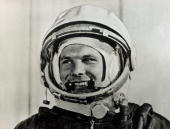 circa 1961 Russian cosmonaut Yuri Gagarin the first man in space who completed a circuit of the earth in the spaceship satellite 'Vostok' in 1961
