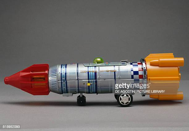 Space frontier rocketship lithographed tin and plastic toy made by Yoshino toy Japan 20th century Milan Museo Del Giocattolo E Del Bambino