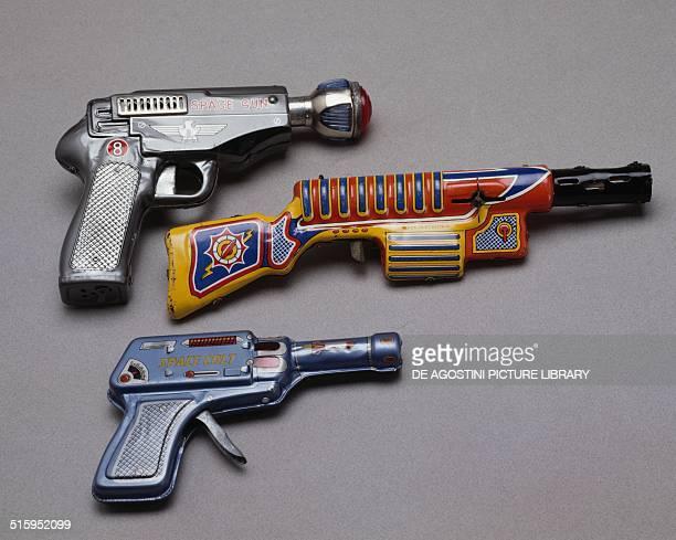 Space guns toy 20th century Milan Museo Del Giocattolo E Del Bambino