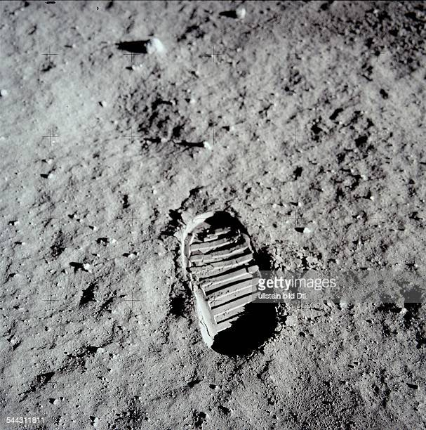 Spaceflight United States of America Moon landing of Apollo 11 in 1969 Bootprint of astronaut Edwin ALDRIN in the lunar soil July 20 1969