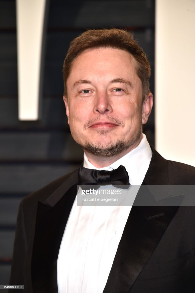 SpaceX CEO Elon Musk attends the 2017 Vanity Fair Oscar Party hosted by Graydon Carter at Wallis Annenberg Center for the Performing Arts on February 26, 2017 in Beverly Hills, California.