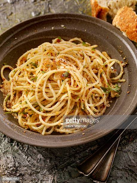 Spaghetti Aglio e Olio avec persil frais