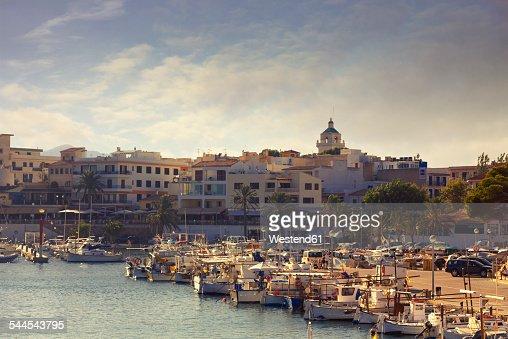 Spain, Baleares, Mallorca, view to marina of Cala Ratjada