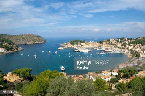 Spain, Balearic Islands, Majorca, Puerto de Soller, view over bay : Stock Photo