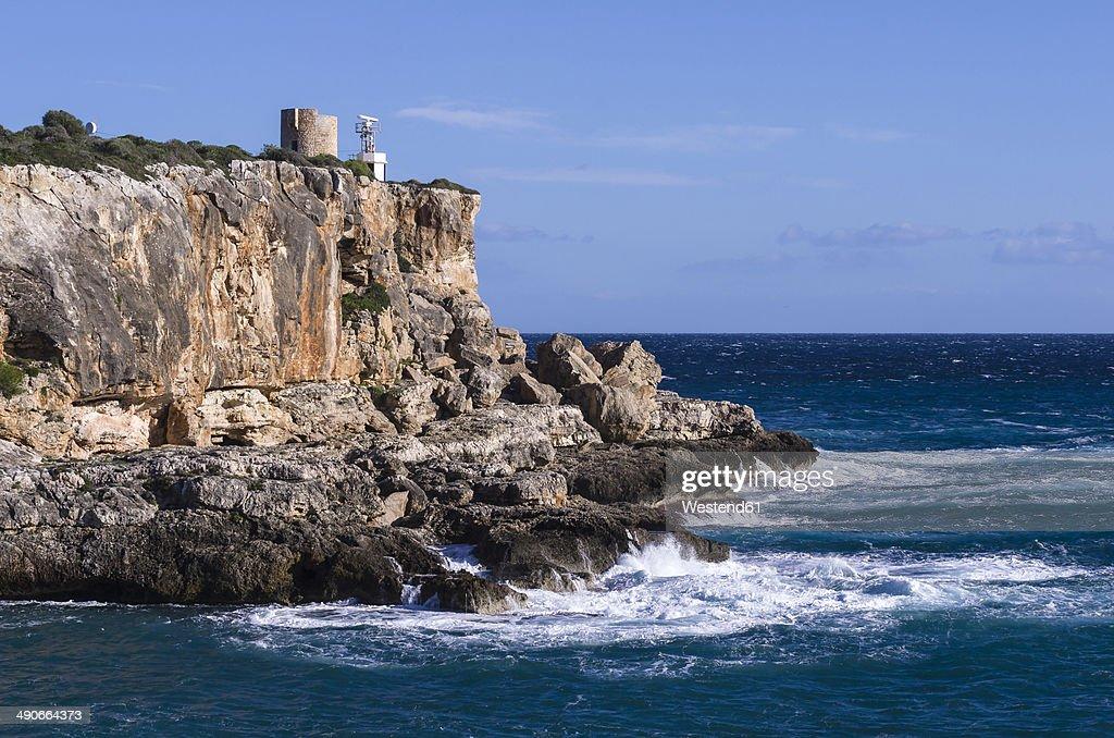 Spain, Balearic Islands, Majorca, Santanyi, view to steep coast