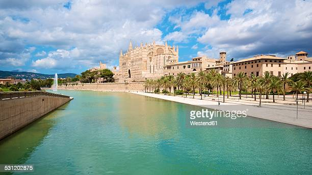 Spain, Balearic Islands, Mallorca, Palma, View of La Seu Cathedral