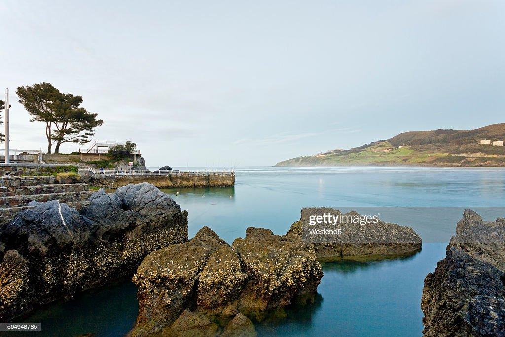 Spain, Basque Country, River mouth at Mundaka