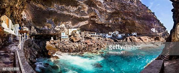 Spain, Canary Islands, La Palma, Tijarafe, Poris de Candelaria, houses in cave