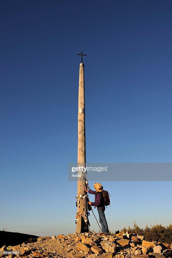 Spain Castile and Le—n El Bierzo Montes de Le—n Foncebad—n Cruz de Ferro Place of pilgrimage on the Camino Frances to Santiago de Compostela Way of...