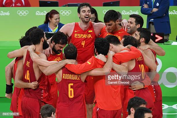Spain celebrates winning the Bronze Medal Game against Australia on Day 16 of the Rio 2016 Olympic Games on August 21 2016 at Barra Carioca Arena 1...