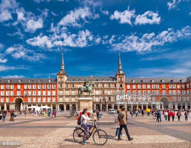 Spain, Madrid, Plaza Mayor square - Panaderia House and Philip III