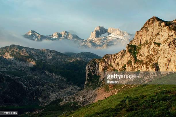 Espanha Picos de Europa Montanha Paisagem de manhã