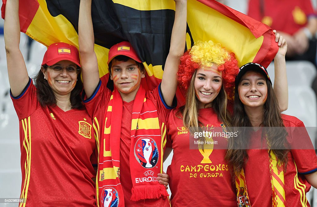 Spain supporters enjoy the atmosphere prior to the UEFA EURO 2016 round of 16 match between Italy and Spain at Stade de France on June 27, 2016 in Paris, France.