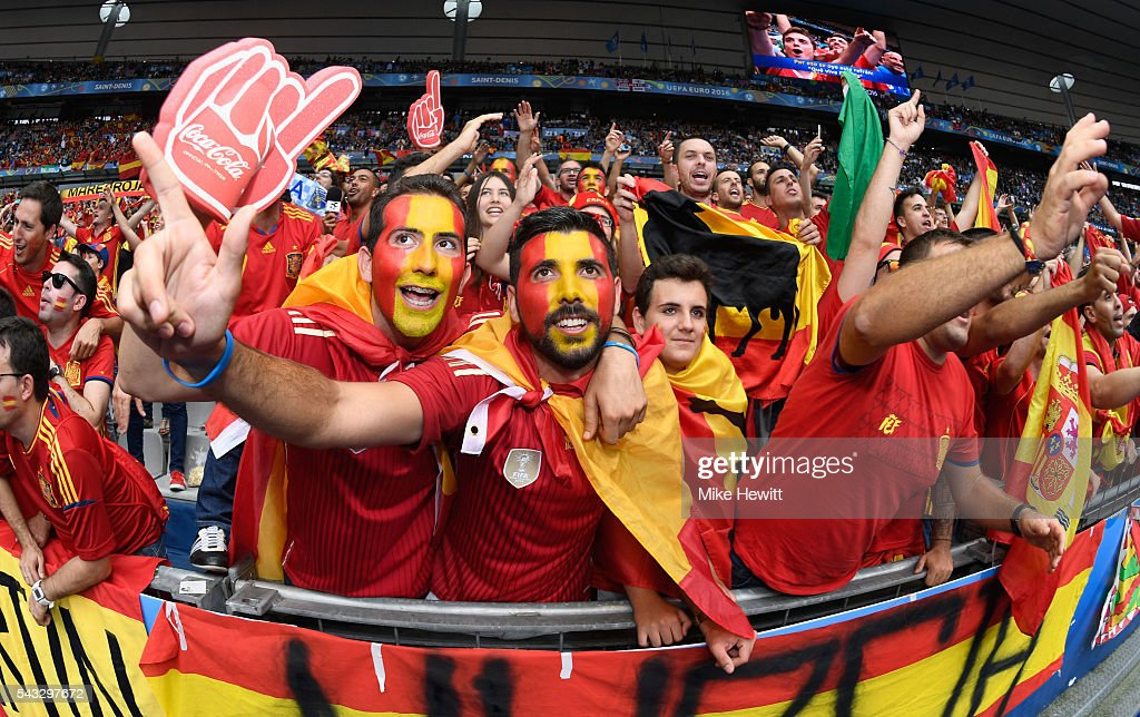 Spain supporters show their support prior to the UEFA EURO 2016 round of 16 match between Italy and Spain at Stade de France on June 27, 2016 in Paris, France.