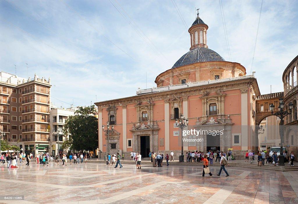 Spain, Valencia, Plaza de la Virgen, Basilika de los Desamparados