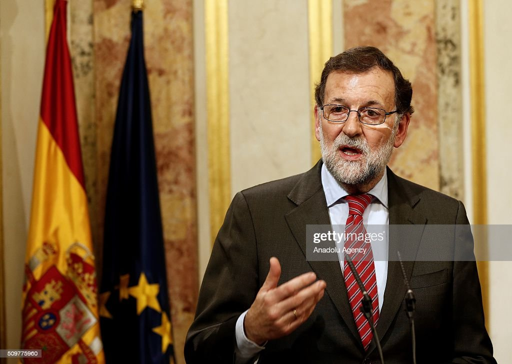Spain's acting Prime Minister Mariano Rajoy speaks during a press conference following his meeting with the leader of Spanish Socialist Party (PSOE) Pedro Sanchez at the Spanish parliament in Madrid on February 12, 2016.