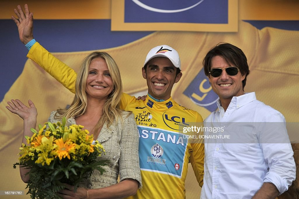 ¿Cuánto mide Tom Cruise? - Altura - Real height Spains-alberto-contador-celebrates-his-yellow-jersey-of-overall-with-picture-id162791762