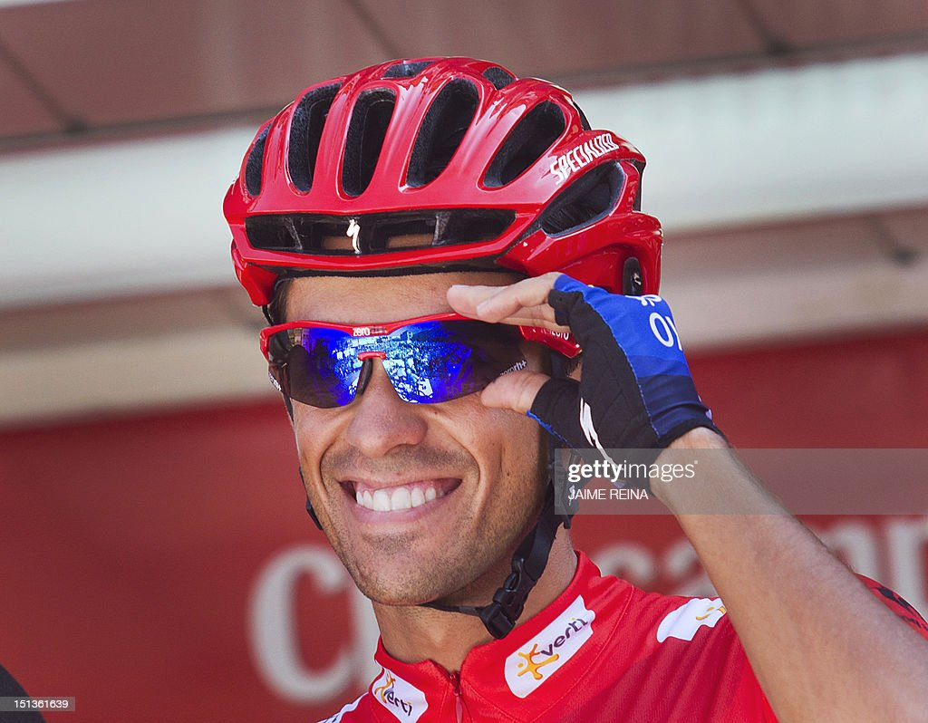 Spain's Alberto Contador of the Saxo Bank-Tinkoff Bank Team smiles before the start the eighteenth stage of the Vuelta tour of Spain, a 204,5 kms ride from Aguilar de Campoo to Valladolid, on September 6, 2012. AFP PHOTO / Jaime REINA