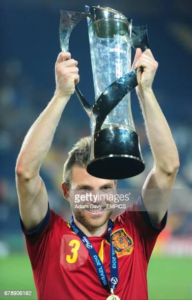 Spain's Asier Illarramendi celebrates with the UEFA European Under 21 Championship 2013 trophy